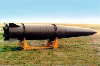 А это ракета, которая попадает точно в колышек.